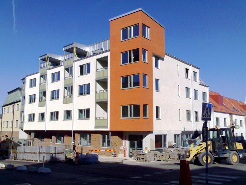 Exempel på fasadrenoveringar och nyproduktion